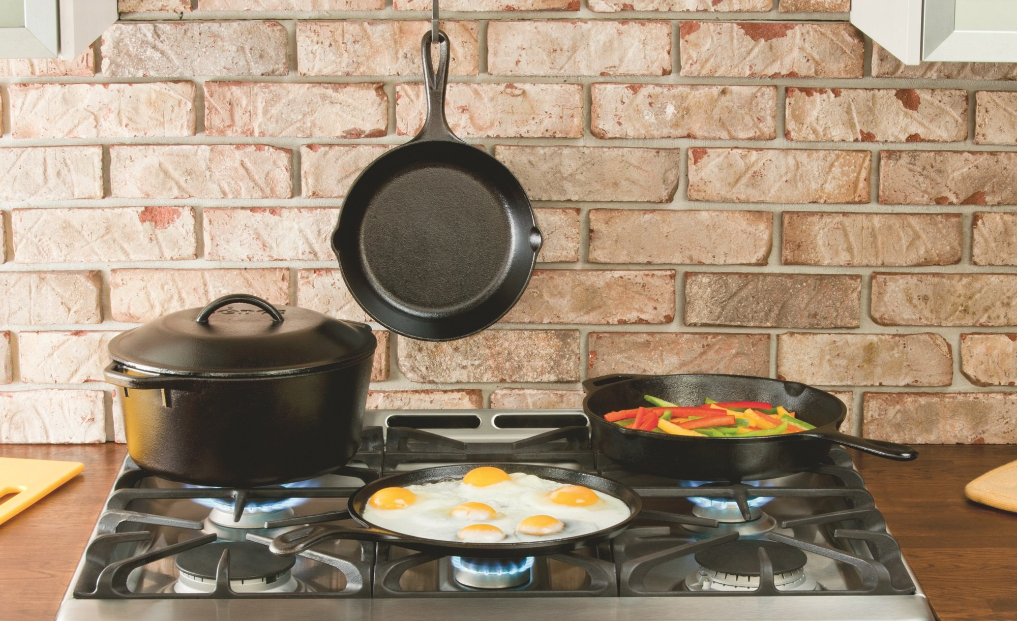 Lodge 10.5 Inch Cast Iron Griddle. Pre-seasoned Round Cast Iron Pan Perfect for Pancakes, Pizzas, and Quesadillas. by Lodge (Image #4)