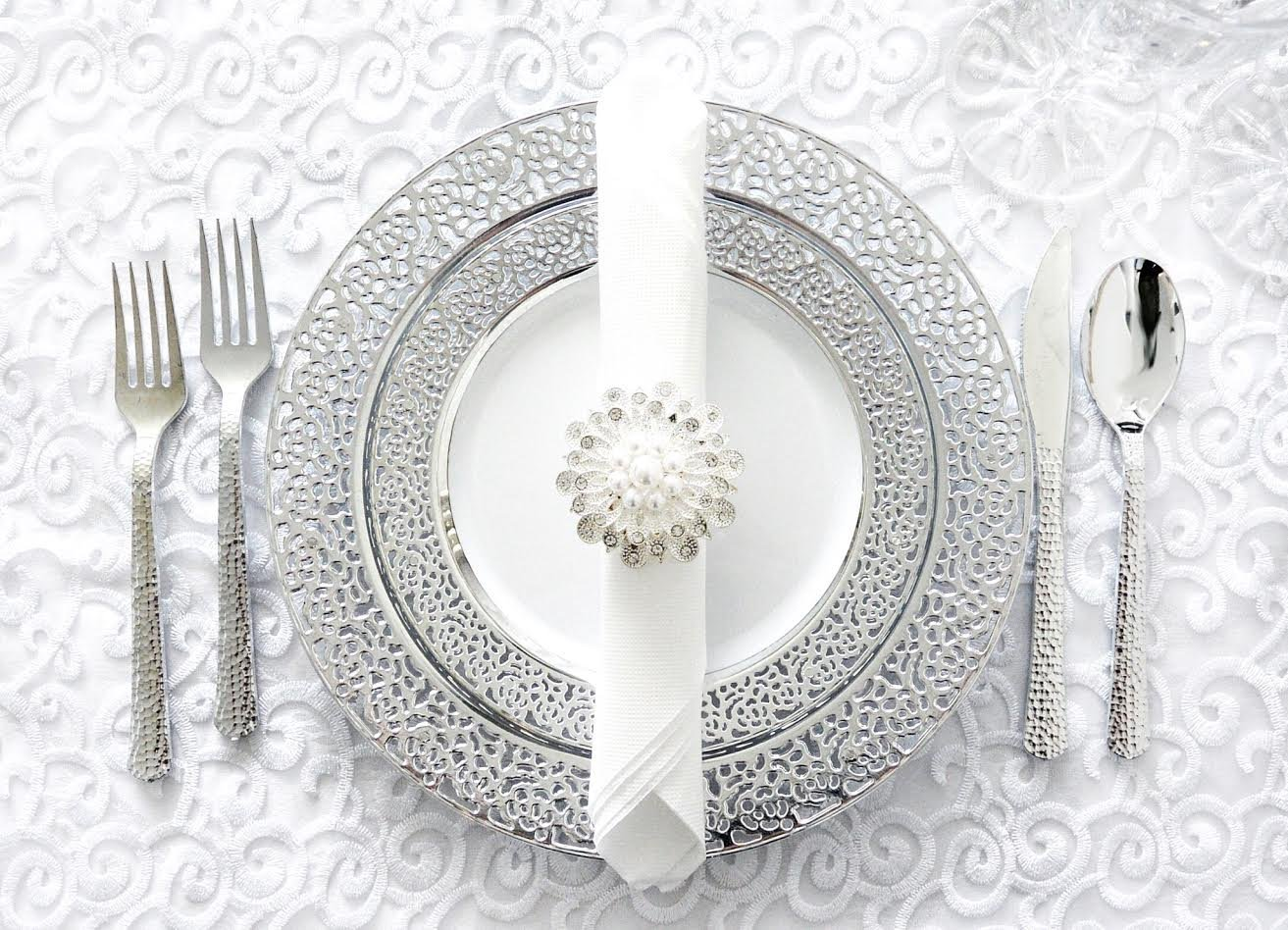 Royalty Settings Silver Inspiration Collection Lace Plastic Plates and Plastic Cutlery for 120 Persons, Includes 120 Dinner Plates, 120 Salad Plates, 240 Forks, 120 Knives, 120 Spoons, 60 Teaspoons