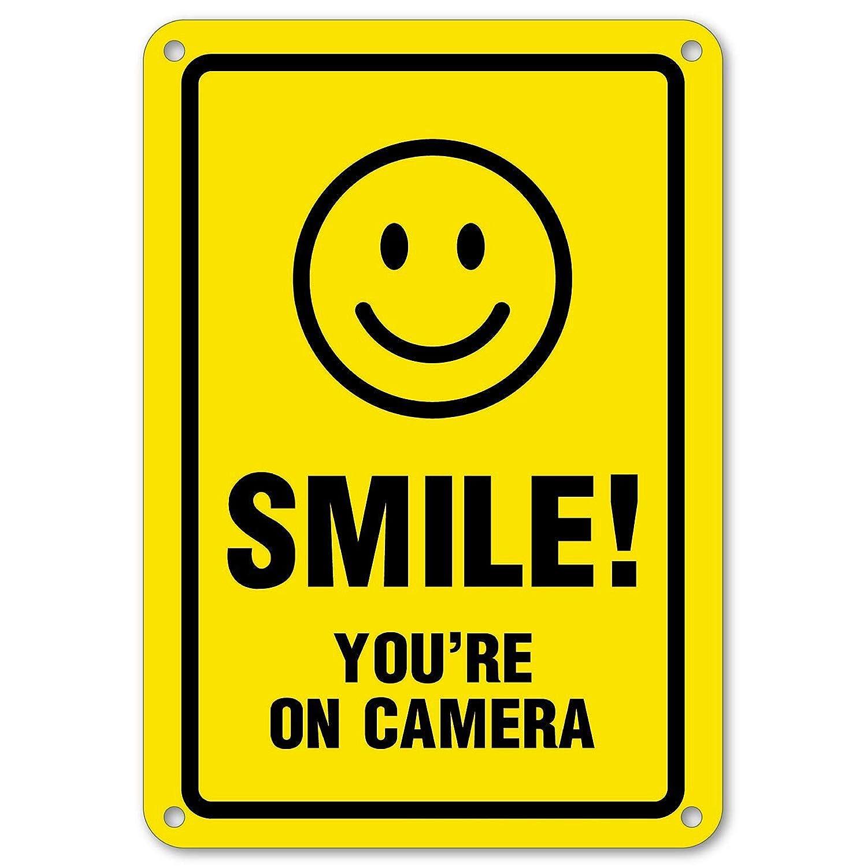 Amazon.com: Smile Youre On Camera - Señal de seguridad para ...
