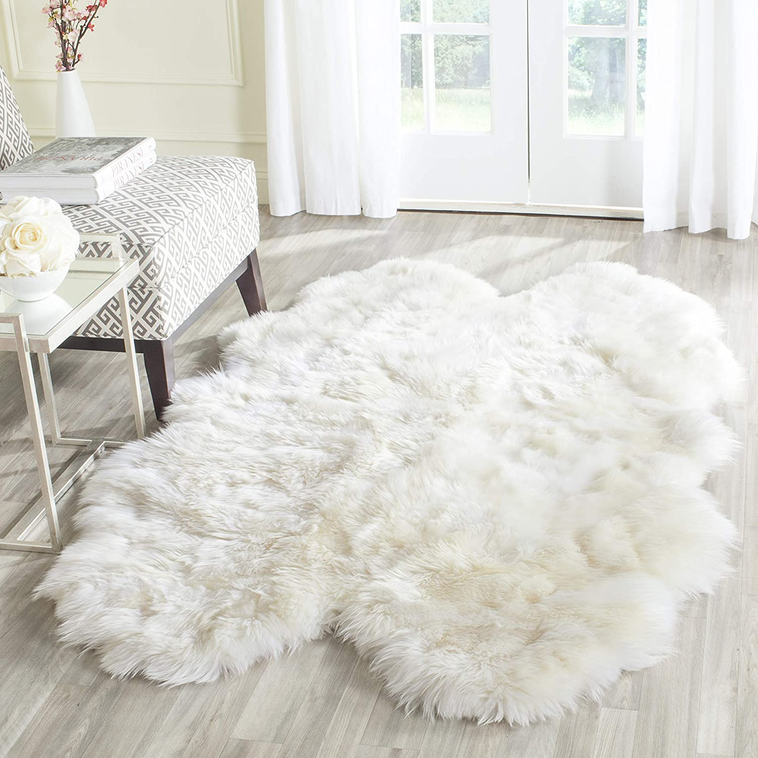 Amazon Com Safavieh Sheep Skin Collection Shs211a Handmade Rustic Glam Genuine Pelt 3 4 Inch Extra Thick Area Rug 4 X 6 Natural White Furniture Decor