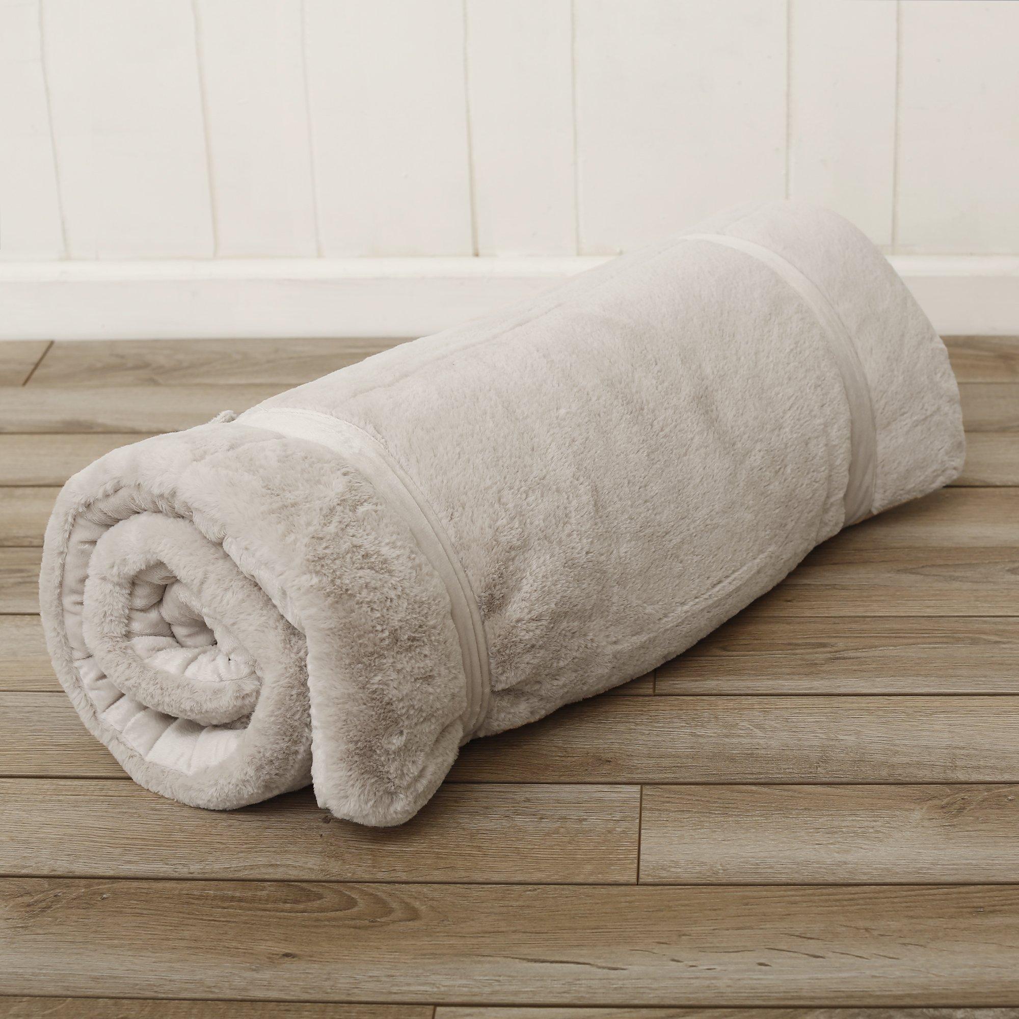 Best Home Fashion Plush Faux Fur Hooded Dog Animal Sleeping Bag - Taupe - 27''W x 59''L - (1 Sleeping Bag) by Best Home Fashion (Image #6)