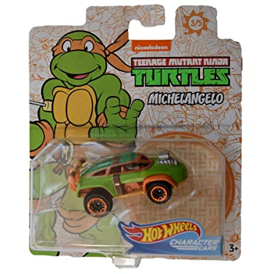 Hot Wheels Character Cars TMNT Michelangelo #3 of 5 Cars: Toys & Games