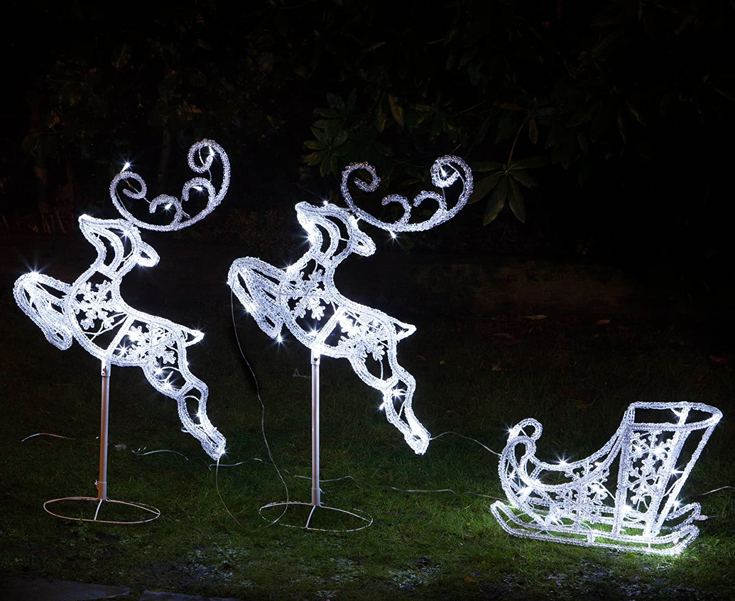 Noma Flying Reindeers & Sleigh : 96cm with 90 LEDs : 2514054 Noma @ WOWOOO