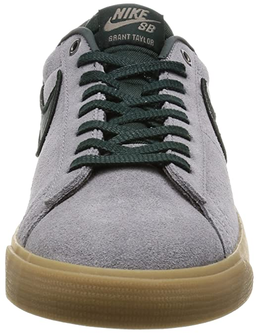 official photos bbb54 fec02 Amazon.com   Nike Blazer Low GT Mens Skateboarding-Shoes 704939-018 9.5 -  Gunsmoke Black Spruce-Gum Light Brown   Basketball