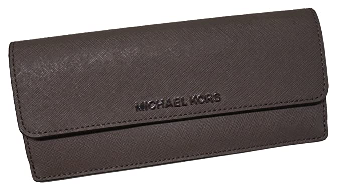 273d3ef1a9d4 Michael Kors Jet Set Travel Flat Saffiano Leather Wallet Cinder Ecru  Amazon.ca   Clothing   Accessories