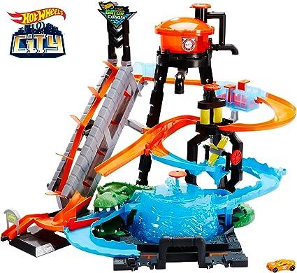 Amazon.com: ULTIMATE GATOR CAR WASH PLAY SET: Toys & Games