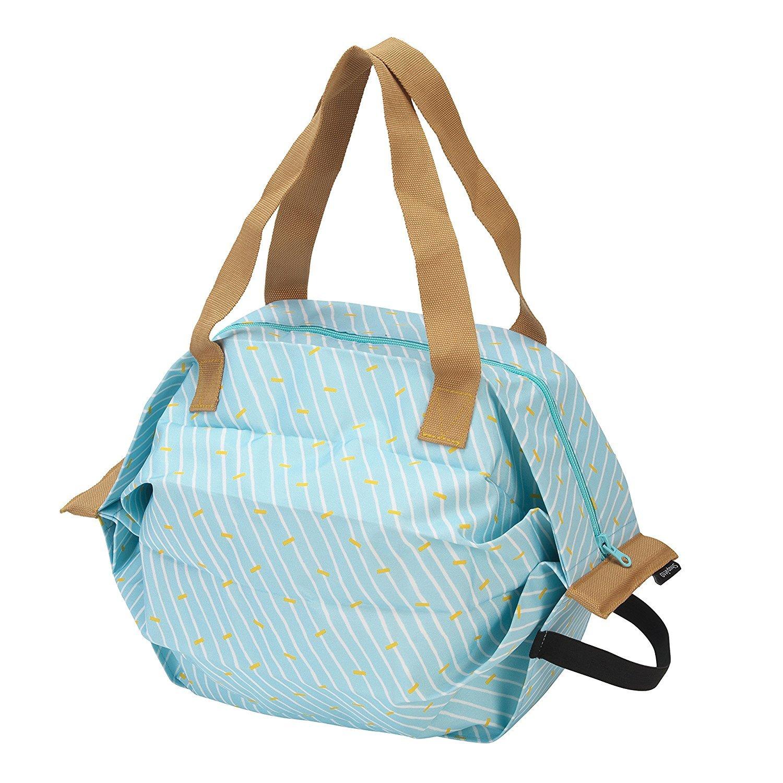 保冷バッグなのにシュパッとたためてコンパクトに! 持ち運びも身軽で、暑い日のお買い物も安心だな〜