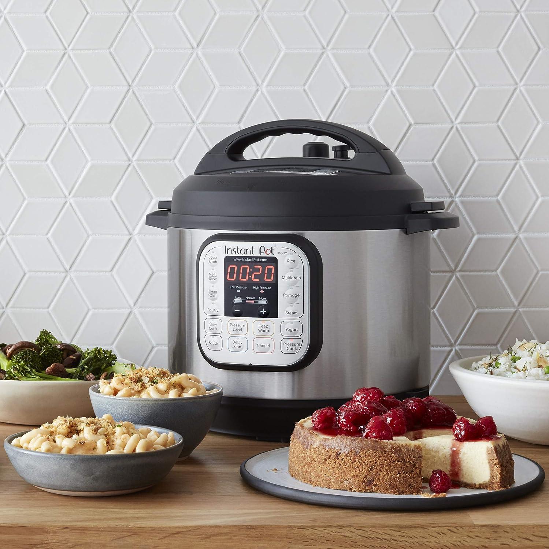 Instant Pot Duo 60 321 Electric Pressure Cooker, 6-QT