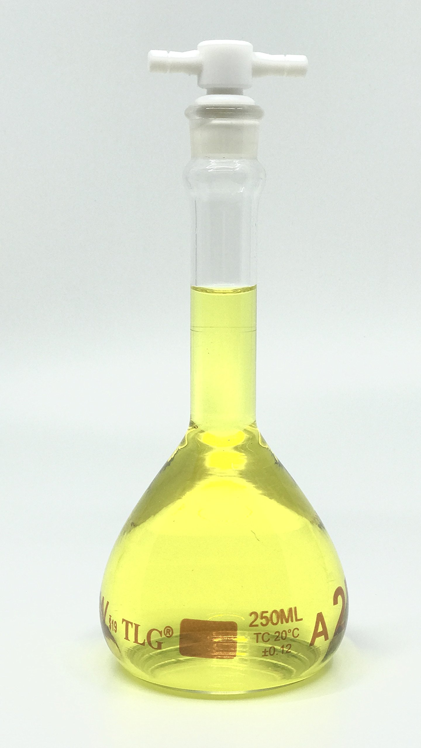 CHEM SCIENCE INC 129.703.07 Volumetric Flask, Serialized and Certified with One Graduation Mark Class A, Wide Mouth, Capacity 250 mL with Teflon Stopper Size # 19