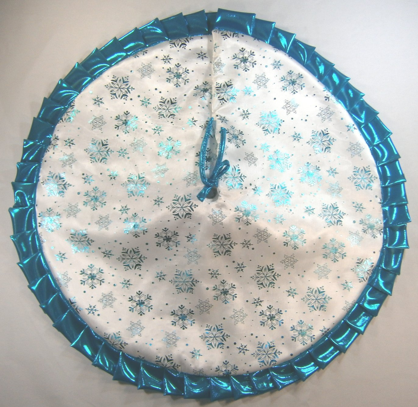 Small Christmas Tapered / Pencil Tree Skirt, 32'', Turquoise Snowflakes