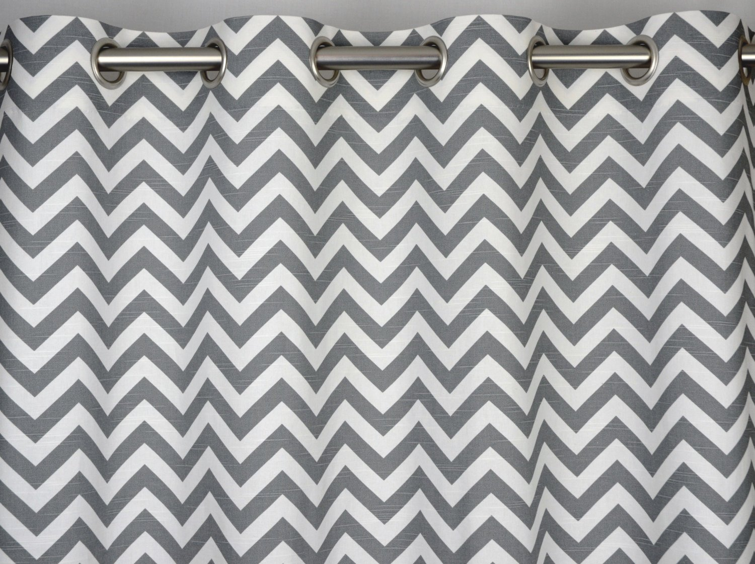 Ash Grey And White Chevron Zig Zag Drape With Blackout Lining, One Grommet  Top Curtain Panel 84 Inches Long X 50 Inches Wide: Amazon.co.uk: Kitchen U0026  Home