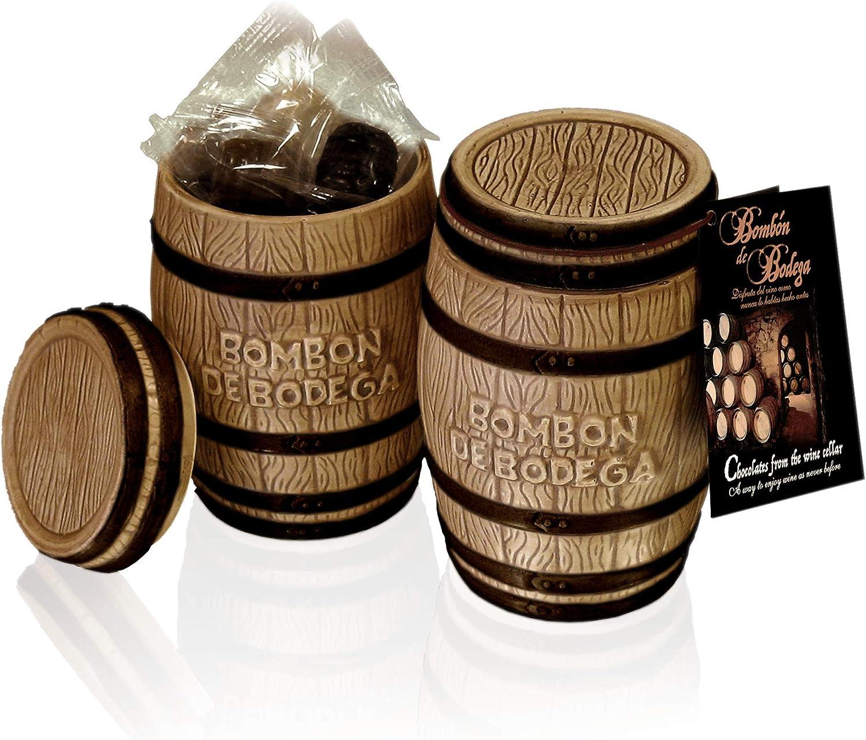 Tonel cerámico con 18 bombones elaborados con vino 🍷 y chocolate 🍫 en su interior para regalar en cualquier ocasión.
