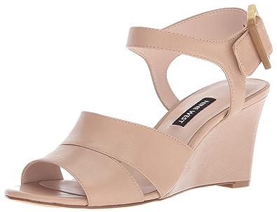 f4fae036e Amazon.com  Nine West Women s VAHAN Leather Wedge Sandal  Shoes
