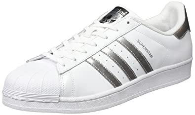 newest 808f5 f3bbd Adidas Originals Superstar Foundation Scarpe da Ginnastica Unisex - Adulto,  Multicolore (FtwwhtSilvmt