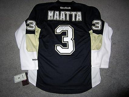 quality design ef686 11d53 Signed Olli Maatta Jersey - Home w COA New Medium - Beckett ...