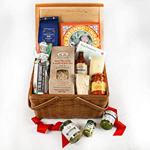 Martha Stewart Italian Dinner Basket - With Specialty Cheeses, Hot Chili Peppers, Italian Cookies, Gourmet Tomato Sauce, Basil Pesto, Olive Oil, And Martha's Signature Recipe