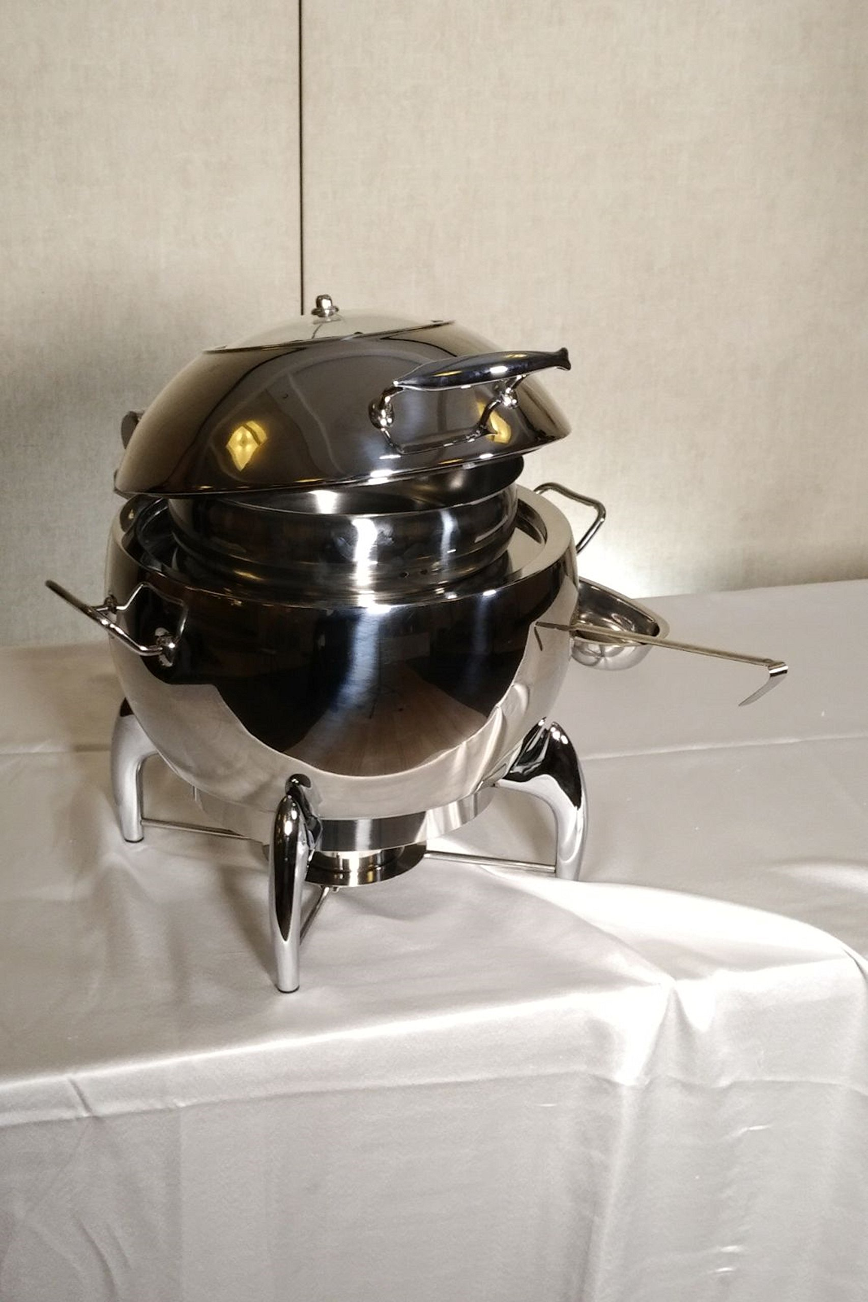 11 Qt. Stainless Steel Round Enclosed Soup Warmer Chafer with Hydraulic Hinged Glass Dome Window Cover, Chafing Dish, stainless steel H/D base, includes fuel holder, durable long-lasting,