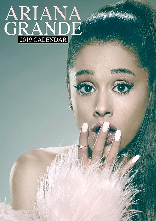 Amazon.com: Ariana Grande calendario 2019 + llavero de ...