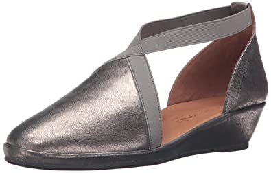 132ef6c05bca Gentle Souls by Kenneth Cole Women s Natalia Flat