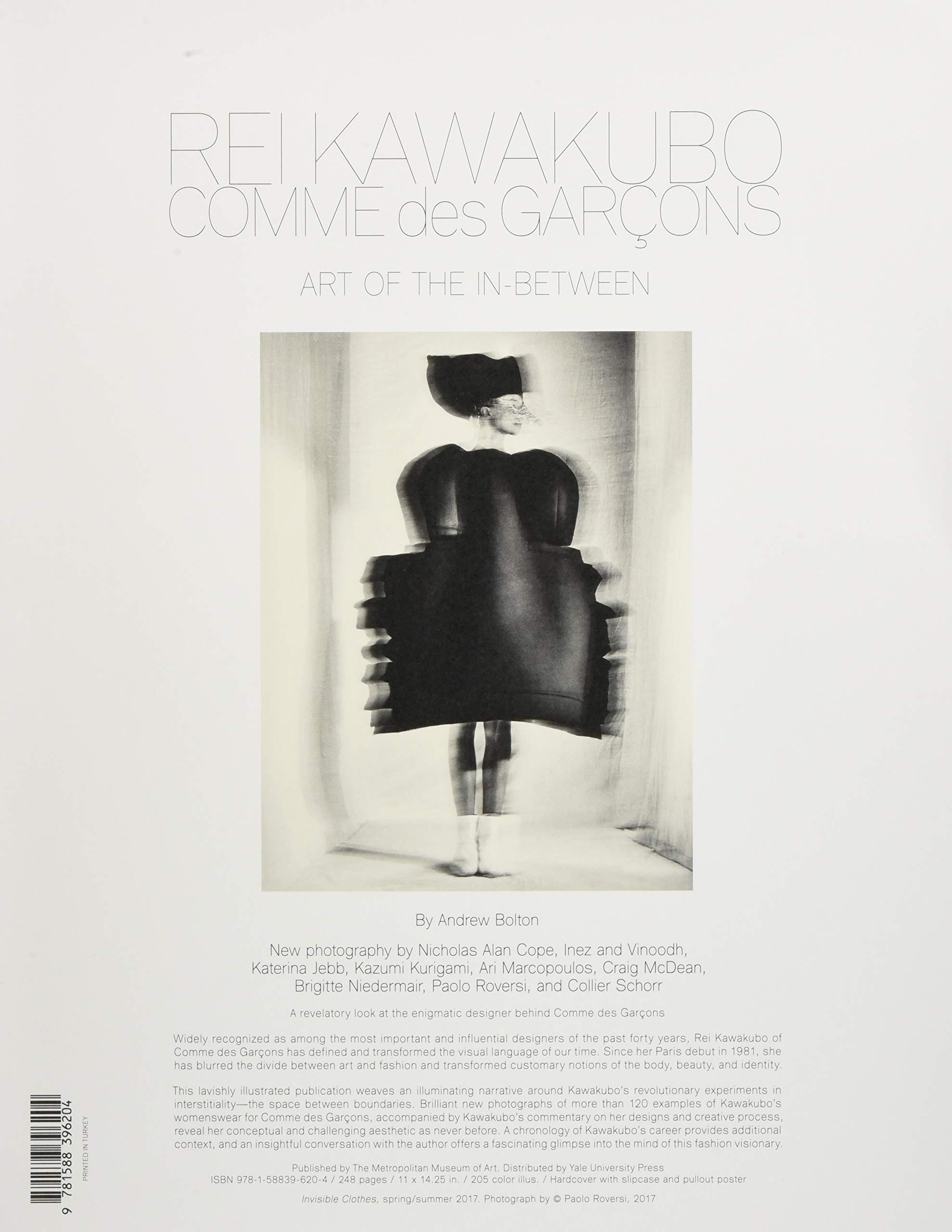 Rei Kawakubo Comme Des Garçons Art Of The In Between Metropolitan Museum Of Art Maa Yup Bolton Andrew Fremdsprachige Bücher
