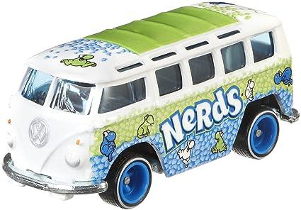 Amazon Com Hot Wheels Vw Dlx Station Wagon Vehicle Toys Games