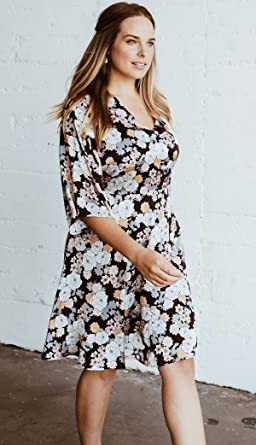 6deb55b4638e4 Bobeau Florice Plus Size V-Neck Flare Dress at Amazon Women s ...
