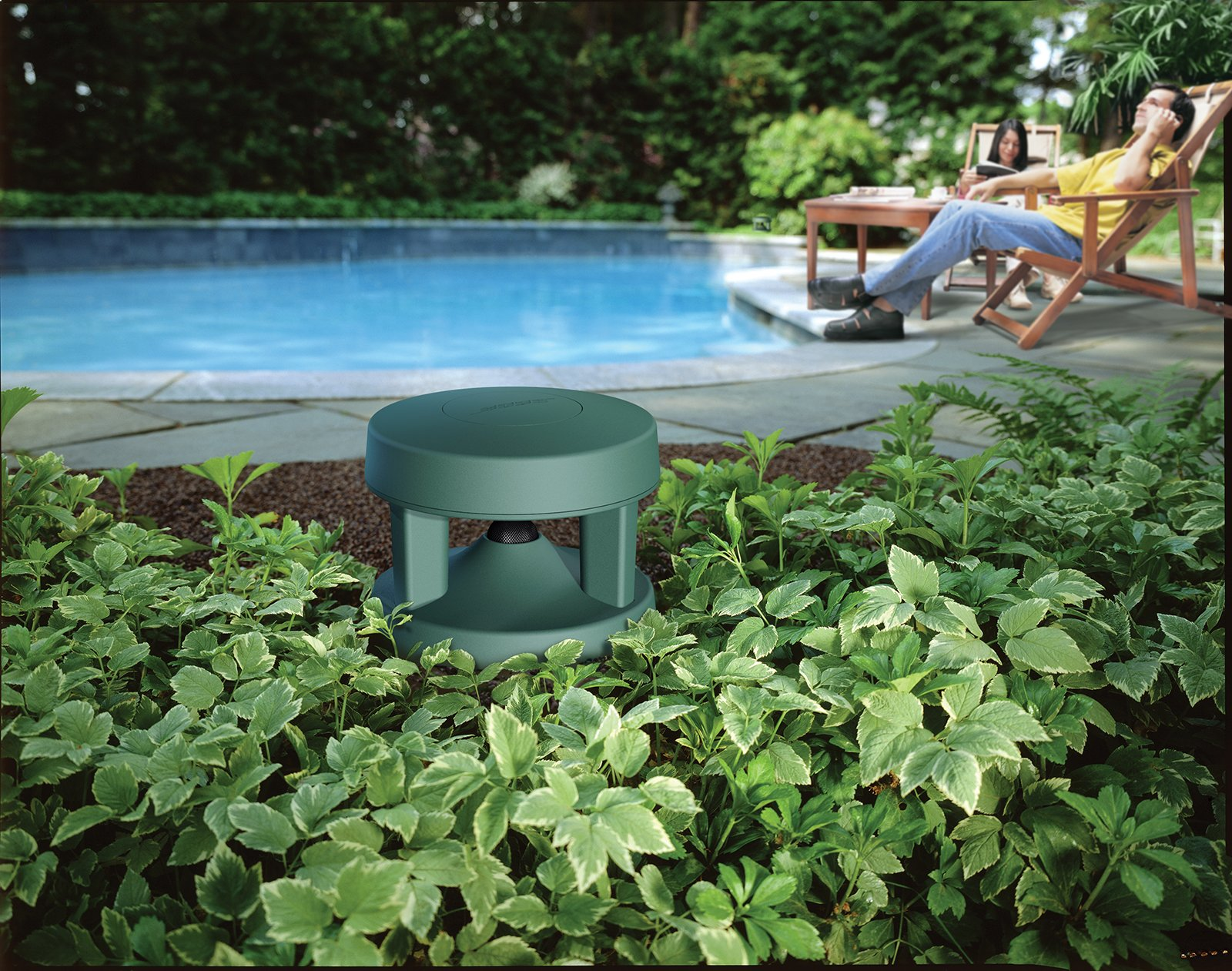 Bose Free Space 51 Outdoor In-Ground Speakers (Green) 3 Downward firing 4-1/4 full range driver.Dimensions-Each speaker:36 cm H x 32 cm W x 32 cm D Innovative radial design disperse sound in a 360 degree pattern and centrally located port enhances low-frequency performance to deliver the depth and richness of music outdoors Rugged, flexible design withstands temperatures from -40 to +150 degrees Fahrenheit, and passed the rigorous salt fog test 66% longer than required by the Marine Industry Standard