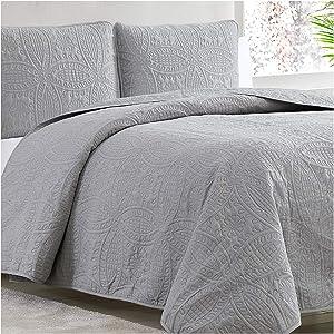 Mellanni Bedspread Coverlet Set Light-Gray - Comforter Bedding Cover - Oversized 3-Piece Quilt Set (King/Cal King, Light Gray)