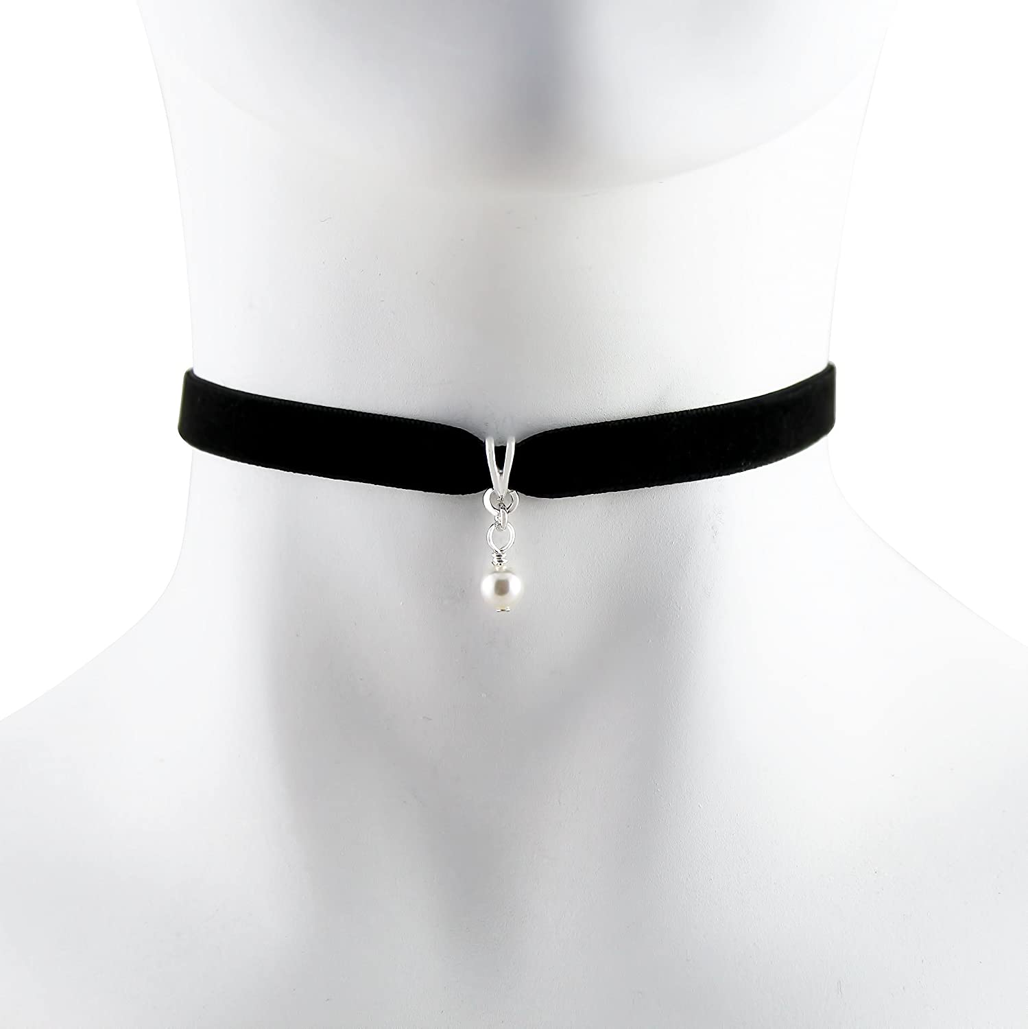 e185ef4ca94 Amazon.com  Arthlin White Glass Imitation Pearl Pendant on Black Velvet  Choker Necklace for Women