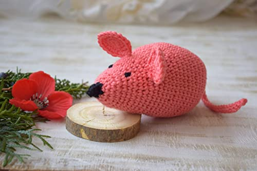 Amigurumi Catnip Mouse Free Pattern and Video | 333x500