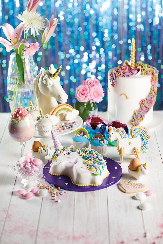 Amazon.com: KitchenCraft Sweetly Does It Unicorn Shaped Cake Pan Tin: Kitchen & Dining