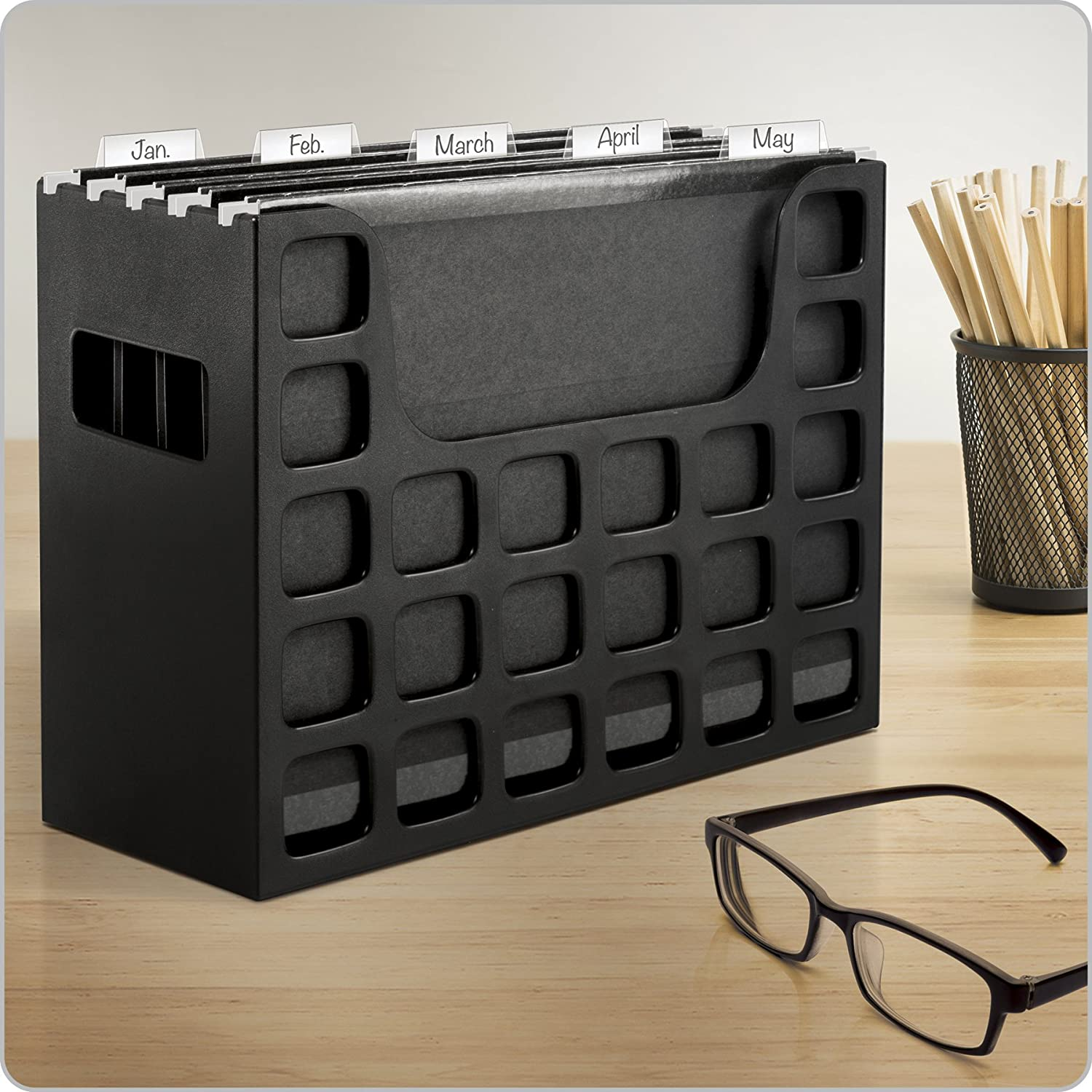 9-1//2 Inches x 12-3//16 Inches x 6 Inches Tabs /& Inserts Hanging File Folders Side Handles Letter Size Pendaflex Portable Desktop File 23013 Black