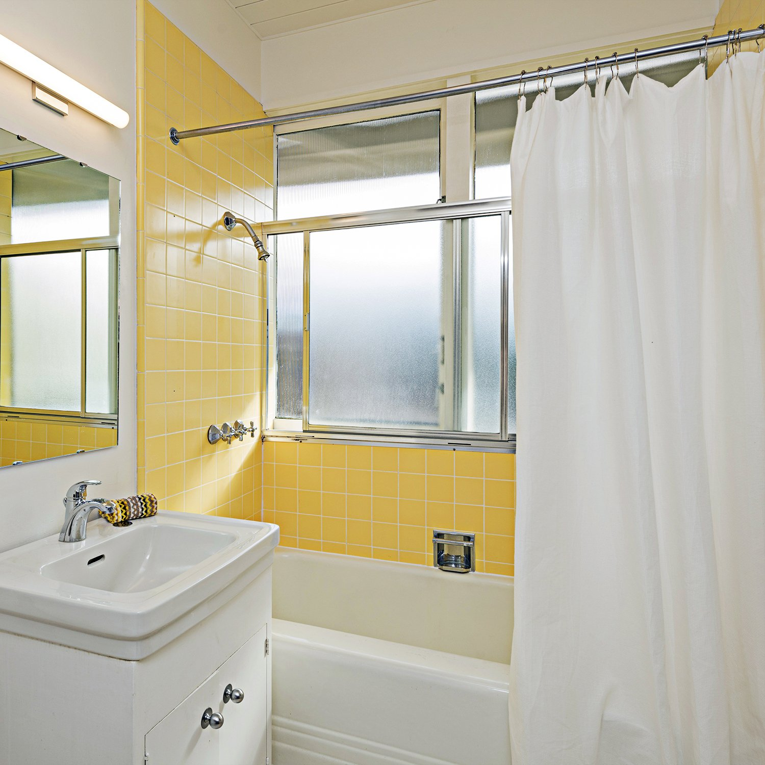 Elegant Shower Curtain Liner. Water-Repellent, Mildew Resistant and Washable