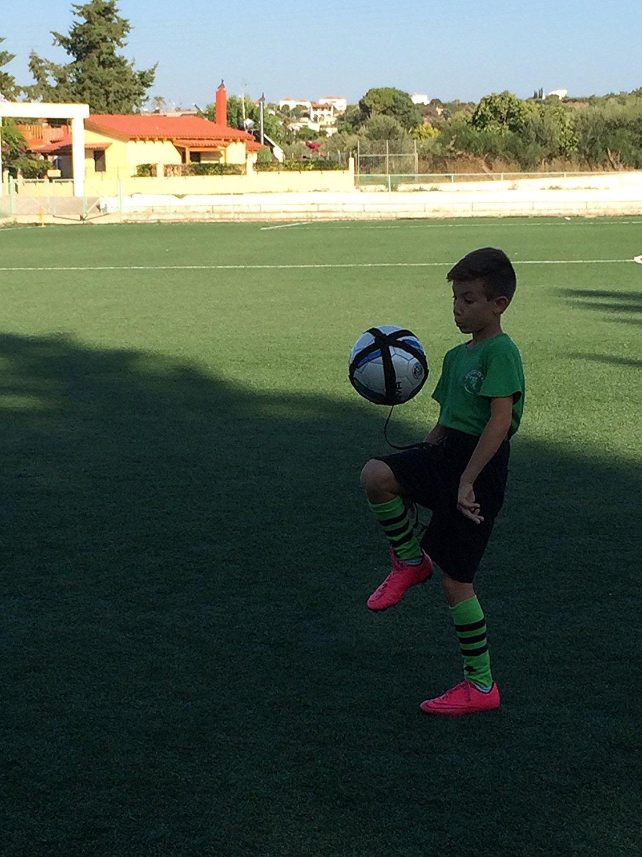 amazon com kickthrow soccer football kick throw trainer solo