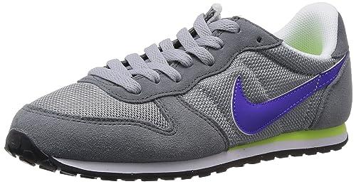 official photos ebdc9 84707 Nike Genicco - Zapatillas de running para mujer, color gris/morado /  blanco, talla 38: Amazon.es: Zapatos y complementos