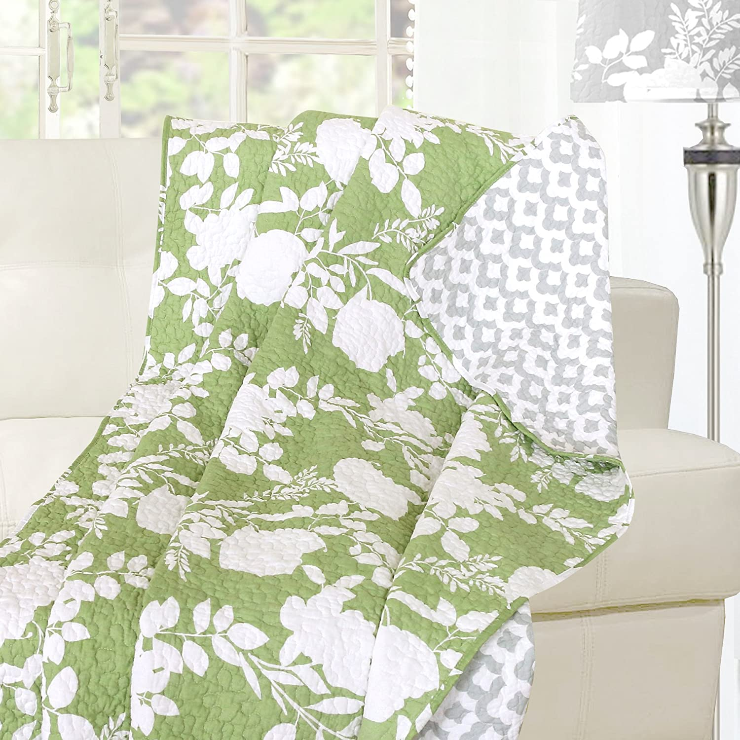 "Floral Delight Reversible Cotton Quilt Throw, 100% Cotton, Pre-washed, Green (60""x70"")"