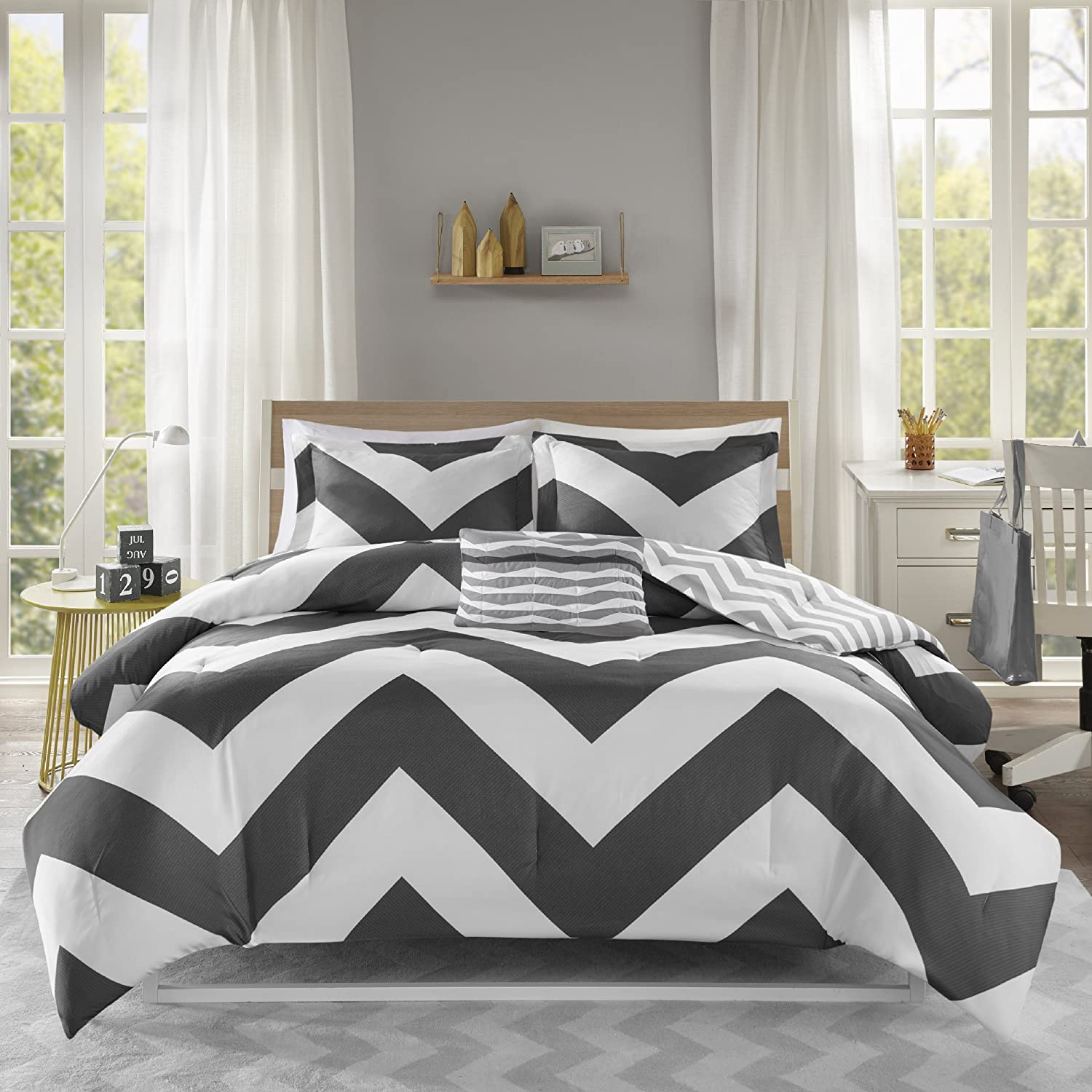 Mi Zone Libra Comforter Set Full/Queen Bedding Sets - Black , Chevron – 4 Piece Teen Bed Set – Ultra Soft Microfiber Bed Comforter