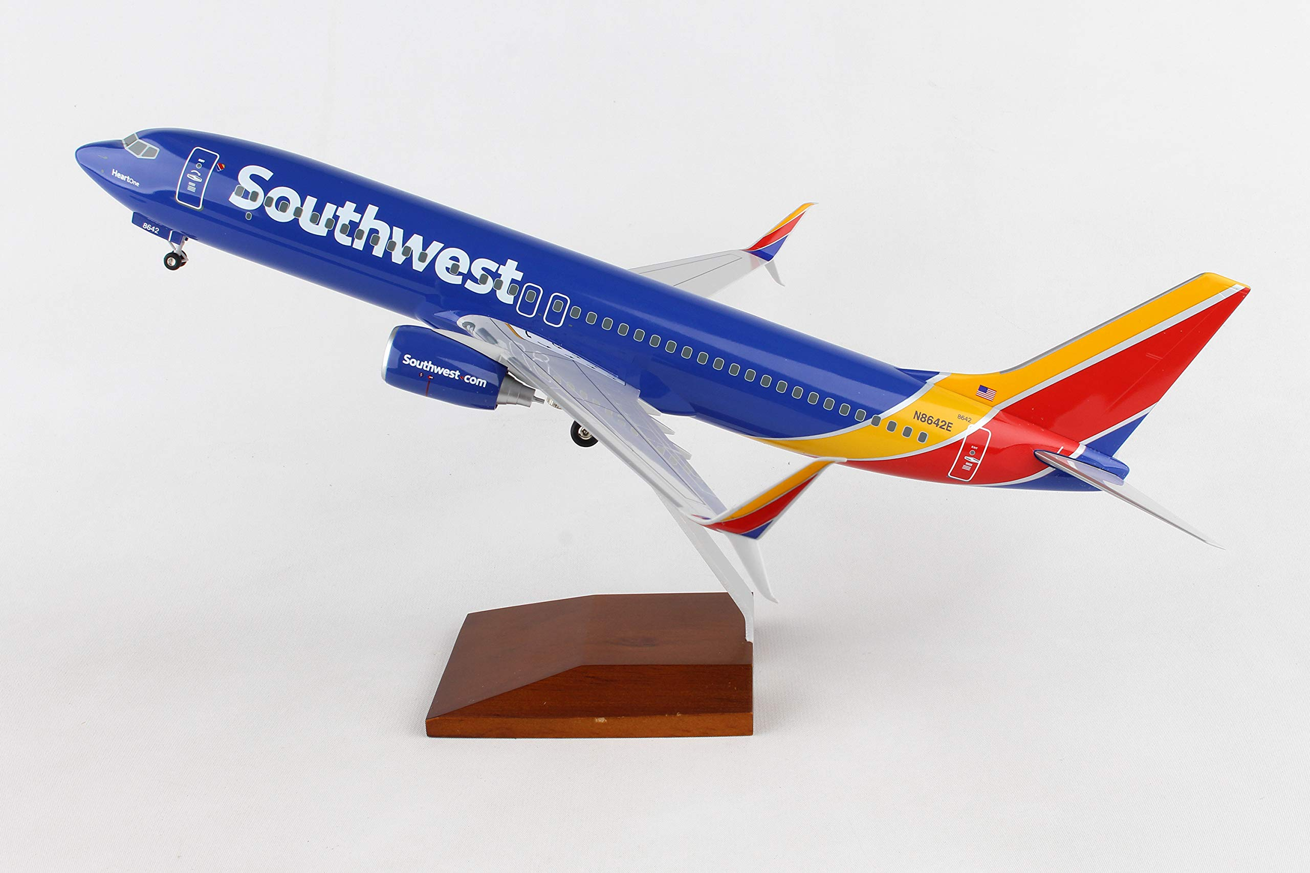 Daron 737-800 Skymarks Southwest Airplane Model with Gear & Wood Stand Heart (1/100 Scale) by Daron (Image #5)