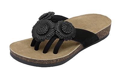 c3dd104bbadc Wellrox Women s Santa Fee-Blossom Black Casual Sandal 6