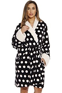 Casual Nights Women s Fleece Plush Robe at Amazon Women s Clothing ... 2050a6337