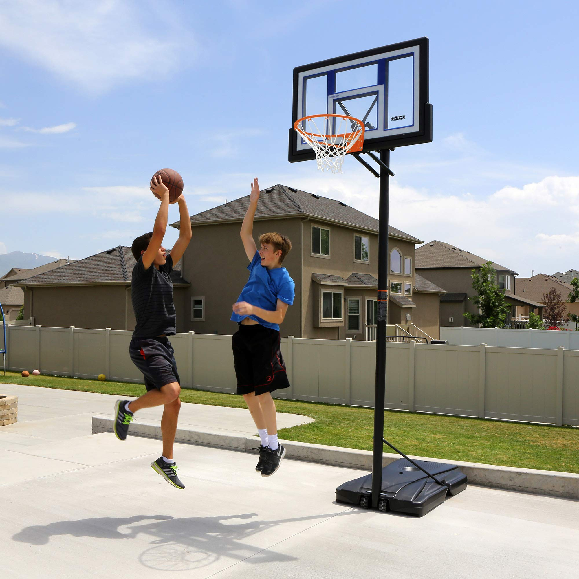 Lifetime Portable Basketball Hoop 90168 48-inch Polycarbonate Backboard System by Lifetime (Image #5)