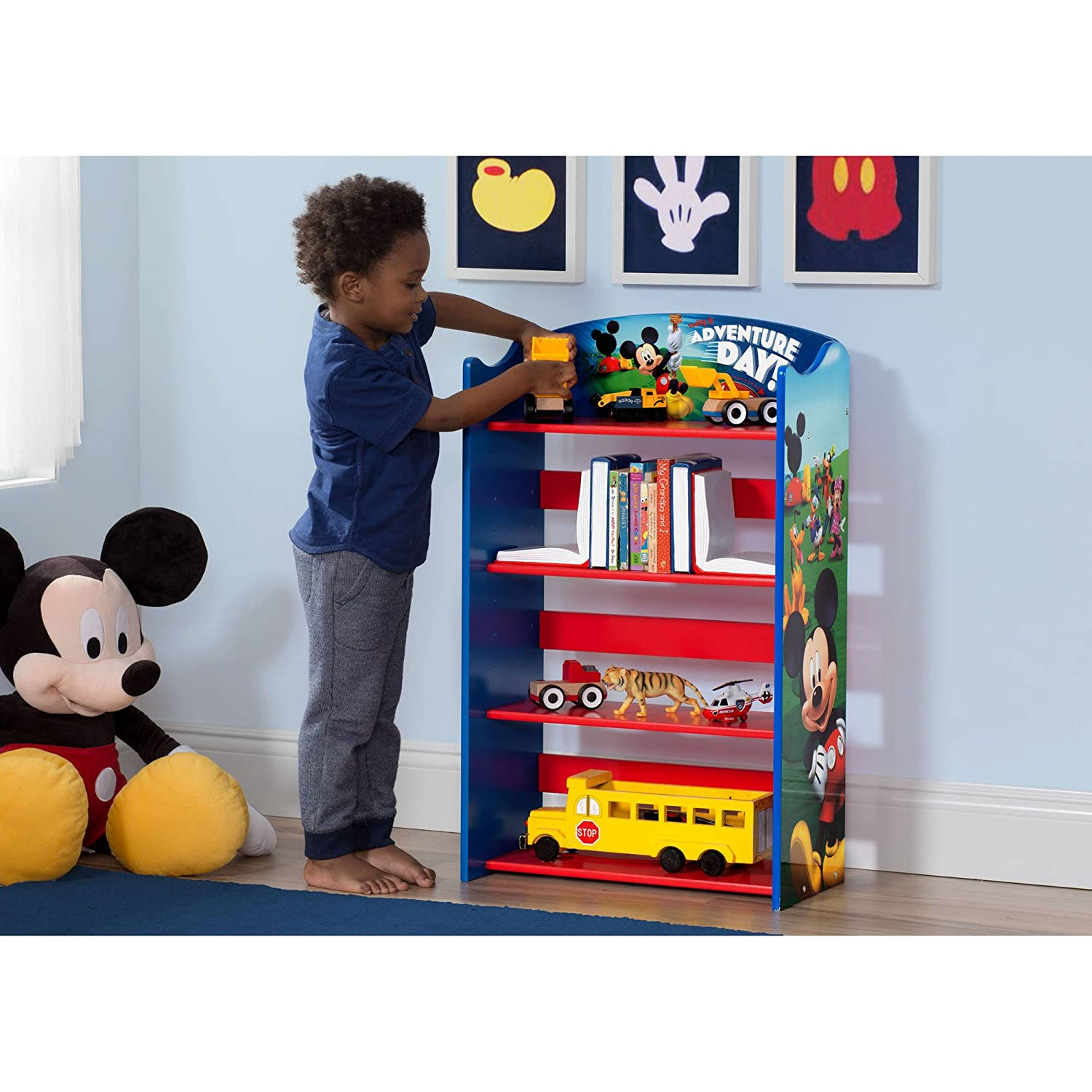 new arrival 7b280 a9cad Amazon.com: Mickey Mouse Bookshelf: Kitchen & Dining