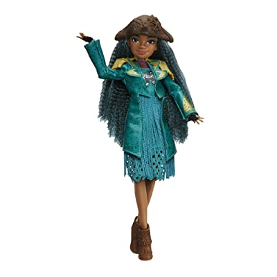 Disney Descendants 2 Uma Isle of the Lost Doll - Poseable Figure Dressed to Impress – Recreate Epic Adventures with Descendants Dolls Fashionable Villaness-in-Training with Fashions and Accessories: Hasbro: Toys & Games