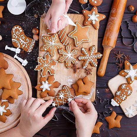 /árbol de Navidad y m/ás Formas de Acero Inoxidable Juego de 12 cortadores de Galletas para ni/ños dise/ño de Pan de Jengibre Iindes Copo de Nieve