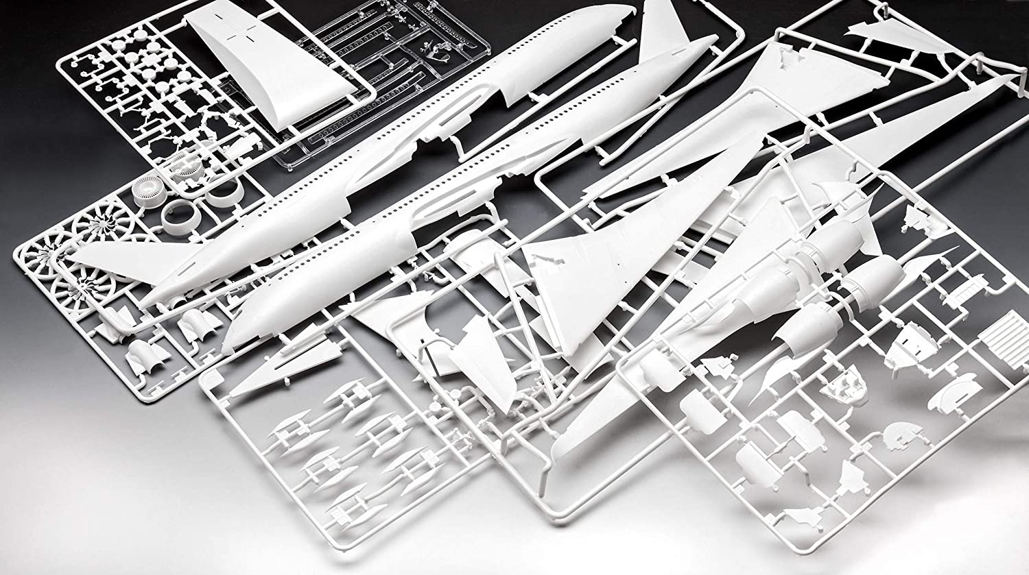Revell 03881 1:144 Airbus A350-900 Lufthansa New Livery Plastic Model Kit