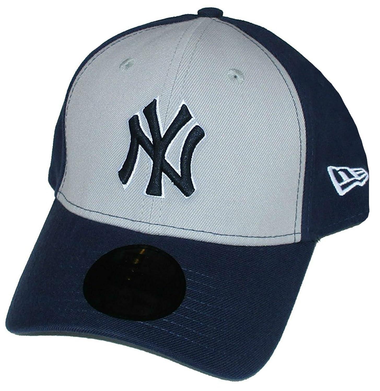 7e741e62057 Amazon.com  New York Yankees Size Medium   Large Flex Fit Hat Cap - Best  Fits 7 1 8 - 7 5 8  Sports   Outdoors