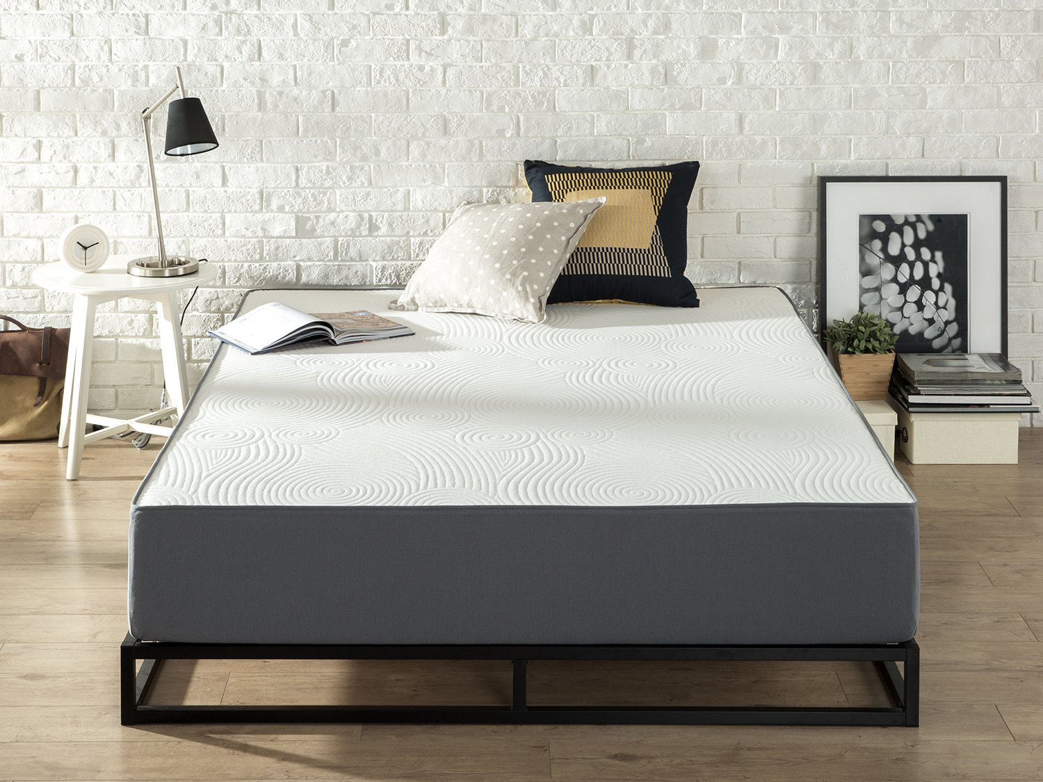 Zinus Responsive Memory Foam 10 Inch / Firm / Universal Comfort Support Mattress, King