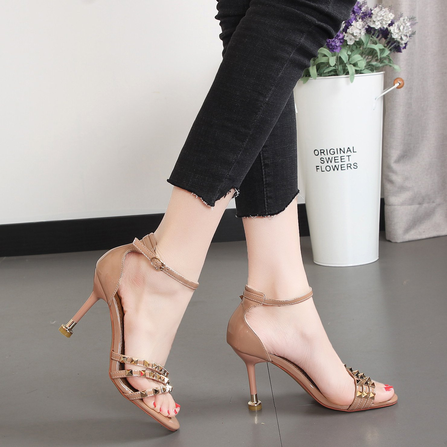 Xue Qiqi Nacht Tau - Niet hochhackigen Sandalen Sandalen Sandalen weiblichen fein mit Pin back strap Damen Schuhe a5e8e8