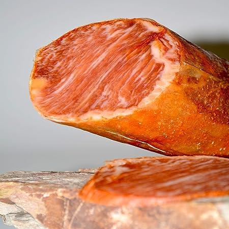 LOMO DE BELLOTA IBÉRICO RAZA 50% IBERICO CERTIFICADO. Elaboración artesanal, curación tradicional y envasado al vacio para una mejor conservación. Peso aproximado 1,350-1,550 kg
