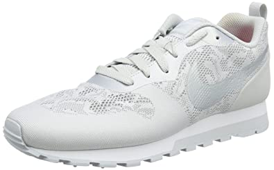 new concept 34cd2 68c9f Nike WMNS MD Runner 2 BR, Baskets Femme, Blanc (Gris Loup Platine